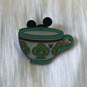 🔮 5/$25 Disney Turquoise Mad Tea Party Pin